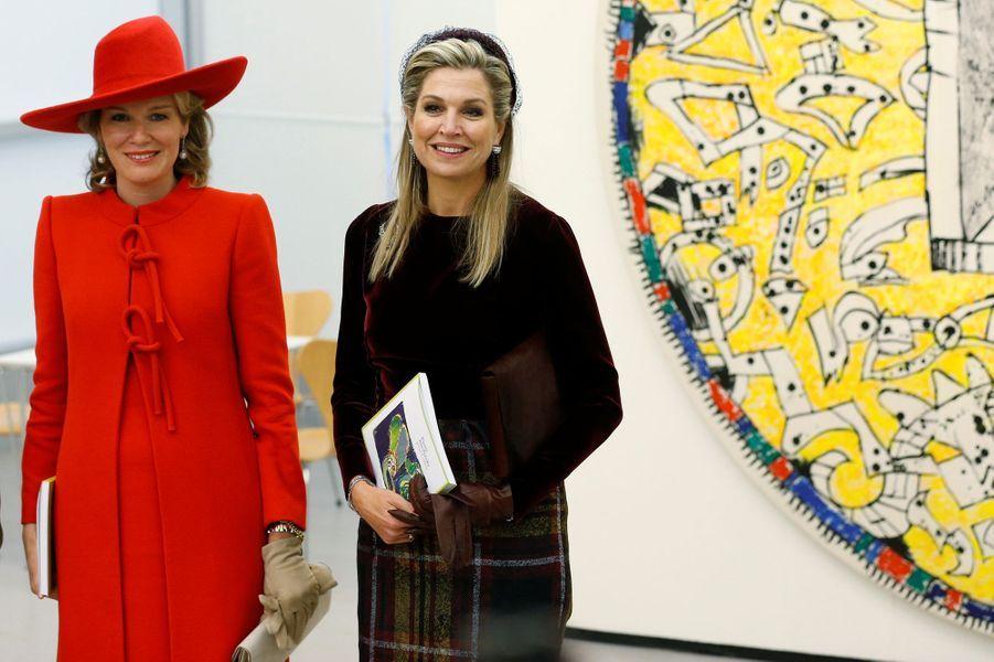 Les reines Mathilde de Belgique et Maxima des Pays-Bas à Amstelveen, le 29 novembre 2016