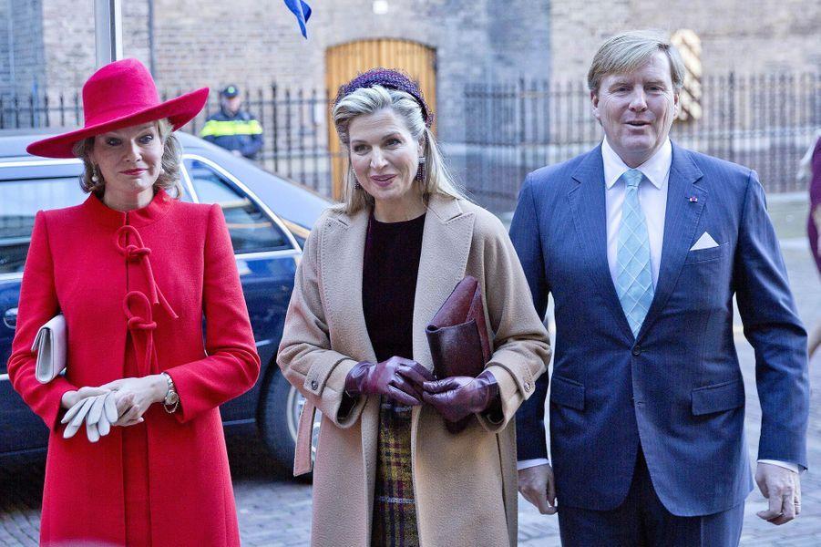 La reine Mathilde de Belgique avec la reine Maxima et le roi Willem-Alexander des Pays-Bas à La Haye, le 29 novembre 2016