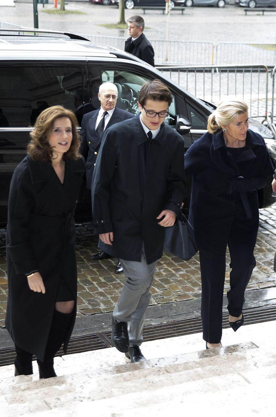 Les princesses Lea et Maria-Esmeralda de Belgique, avec Leopoldo Moncada, à Laeken le 17 février 2017