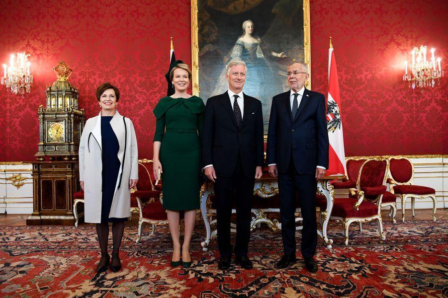 La reine Mathilde et le roi des Belges Philippe à Vienne avec le couple présidentiel autrichien, le 1er octobre 2018