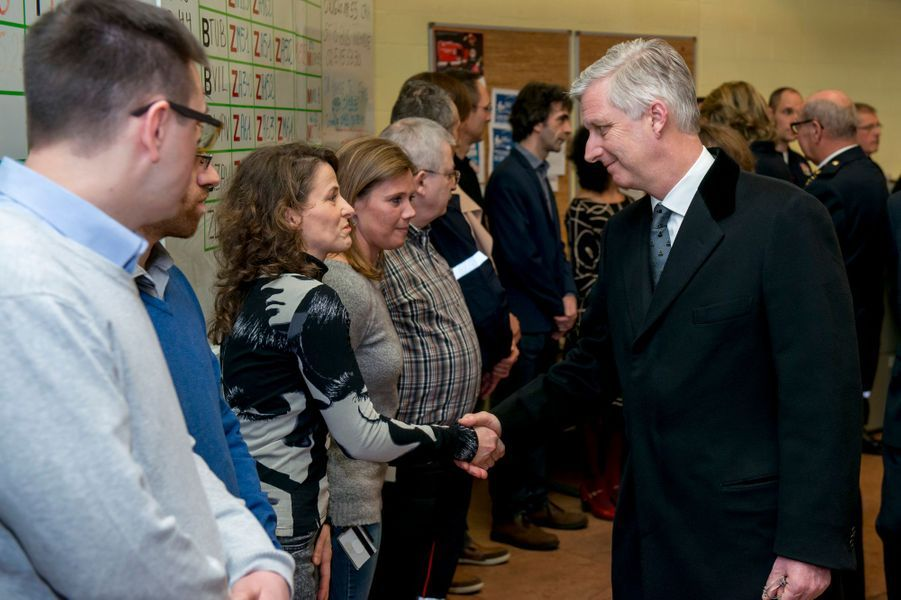 Le roi Philippe de Belgique au centre 112 de Bruxelles, le 25 mars 2016