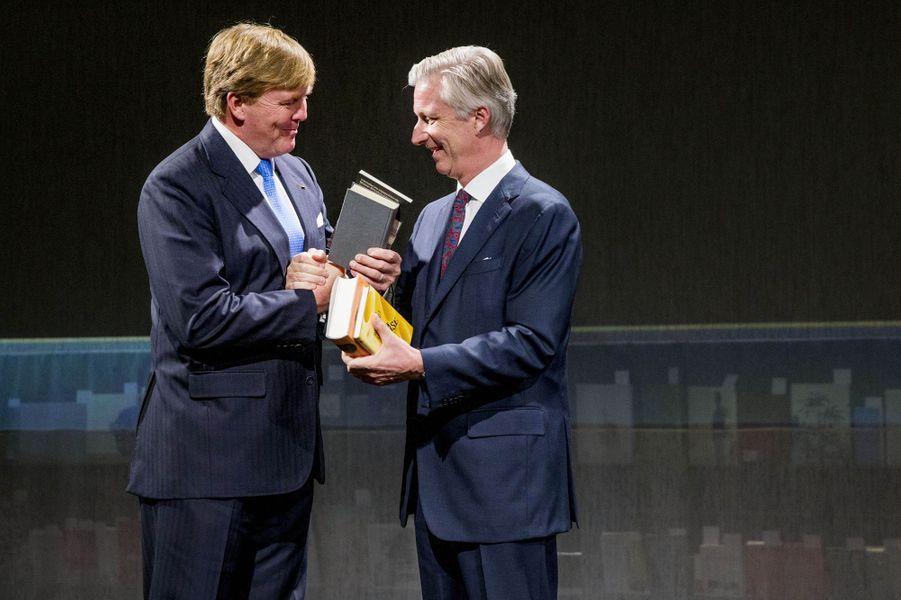 Les rois Willem-Alexander des Pays-Bas et Philippe de Belgique à la Foire du livre de Francfort, le 18 octobre 2016