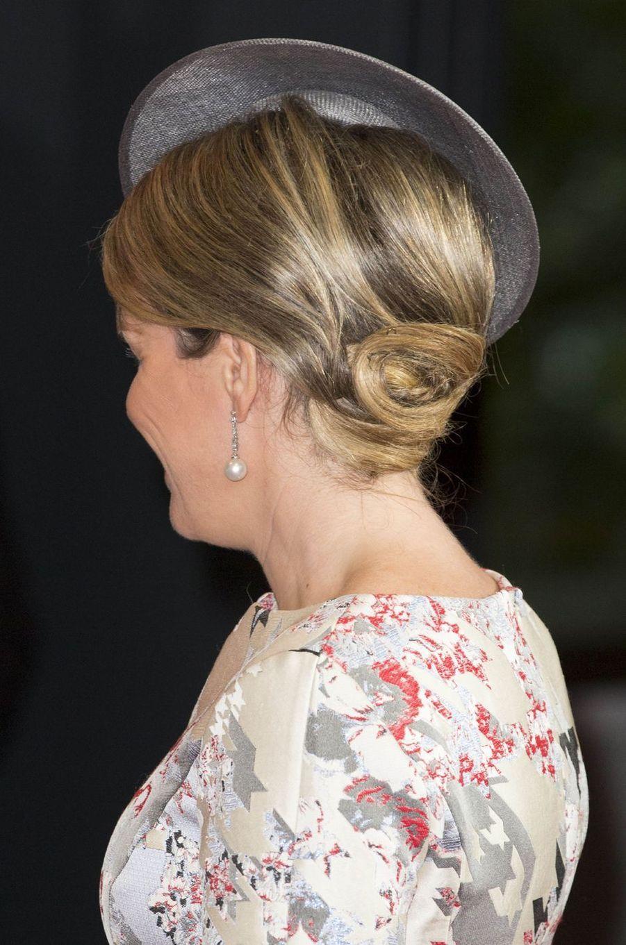 La coiffure de la reine Mathilde de Belgique à Francfort-sur-le-Main, le 18 octobre 2016