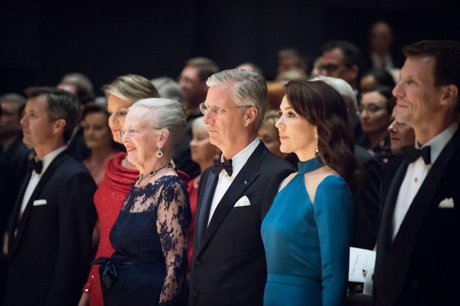 La reine Mathilde et le roi Philippe de Belgique avec la famille royale de Danemark à Copenhague, le 29 mars 2017