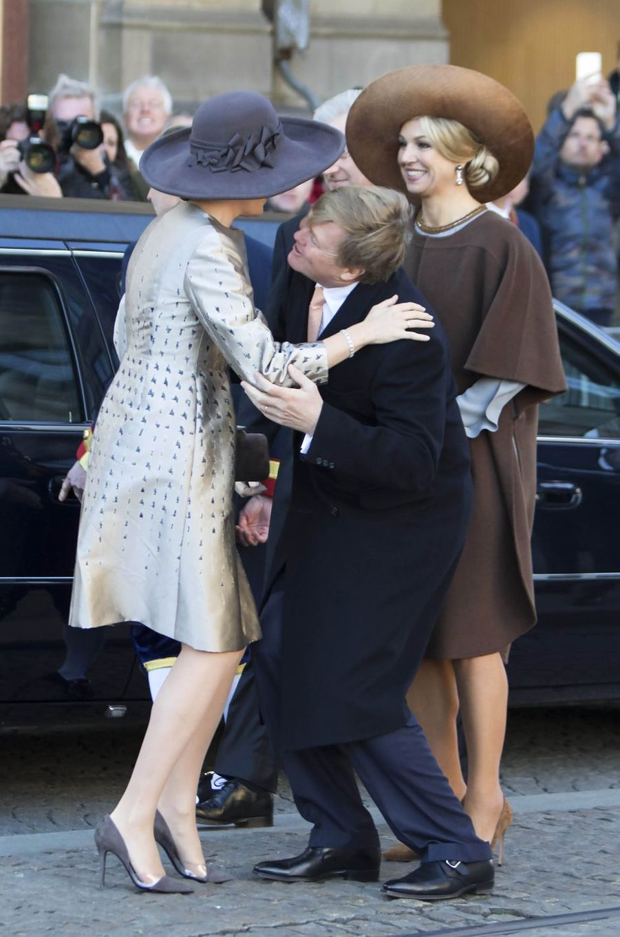 La reine Maxima et le roi Willem-Alexander des Pays-Bas accueillent la reine Mathilde et le roi Philippe de Belgique à Amsterdam, le 28 novembre 2016