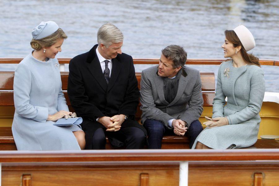 La reine Mathilde et le roi Philippe de Belgique avec la princesse Mary et le prince Frederik de Danemark à Copenhague, le 28 mars 2017