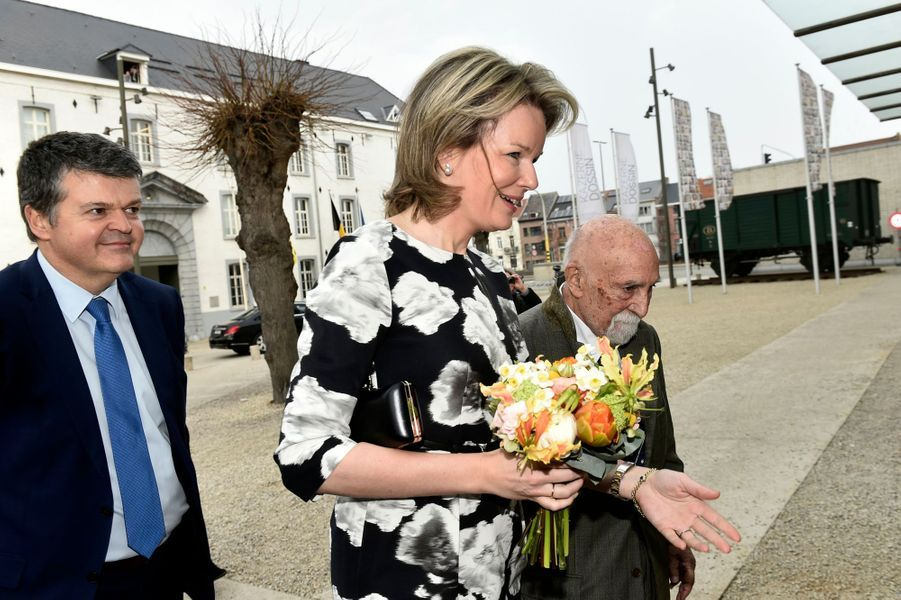 La reine Mathilde de Belgique en visite au Kazerne Dossin à Malines, le 27 mars 2018