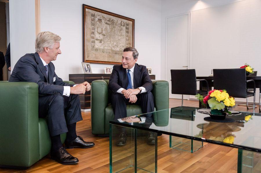 Le roi des Belges Philippe avec le gouverneur de la Banque centrale européenne à Francfort, le 20 septembre 2016
