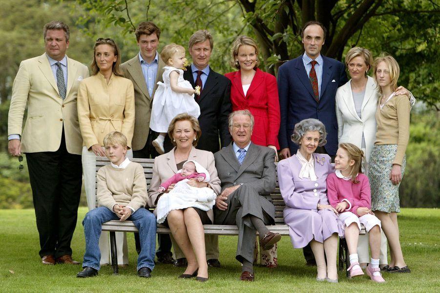 La reine des Belges Paola avec sa famille, le 28 mai 2003