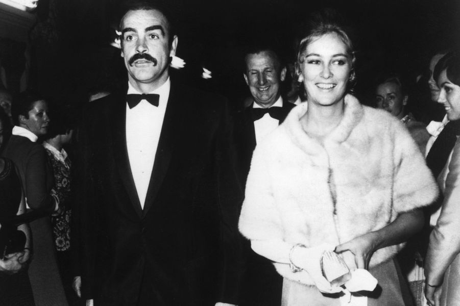 La princesse Paola de Belgique avec Sean Connery, le 31 octobre 1968