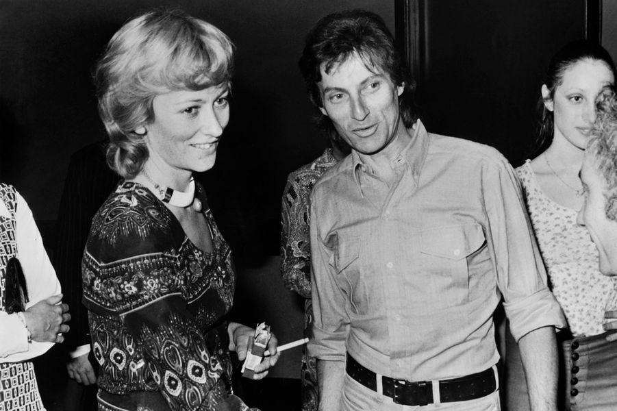 La princesse Paola de Belgique avec Hugues Aufray, en mai 1971