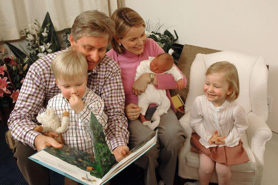 La princesse Elisabeth de Belgique à l'arrivée de son frère Emmanuel, le 6 octobre 2005