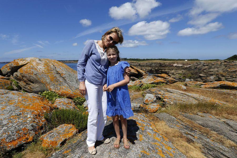 La princesse Elisabeth de Belgique, en vacances à l'Île d'Yeu, le 24 juillet 2013