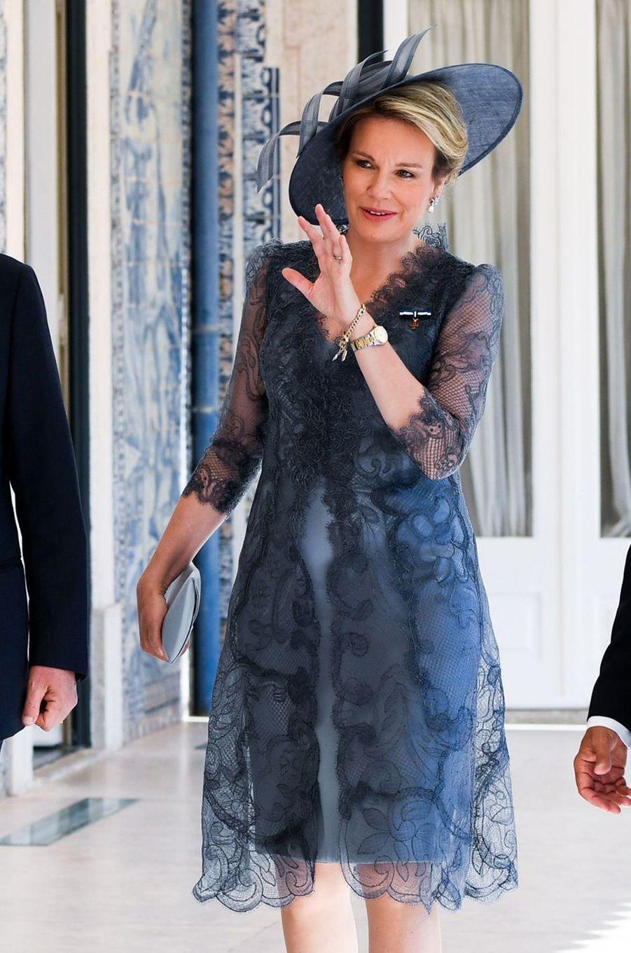 La reine Mathilde de Belgique à Lisbonne, le 22 octobre 2018