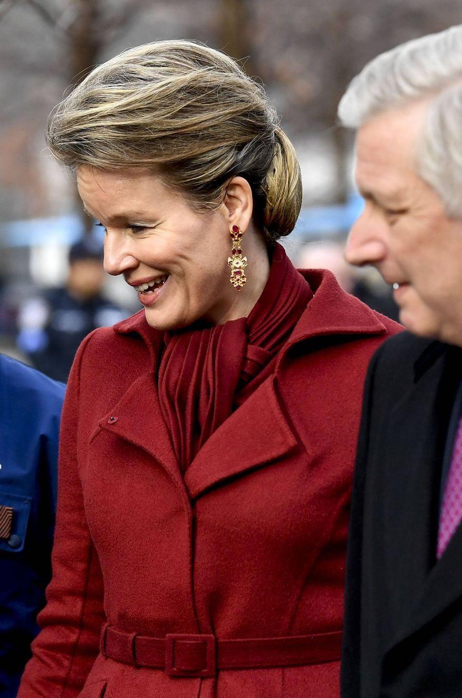 Les boucles d'oreille de la reine des Belges Mathilde à New York, le 11 février 2020