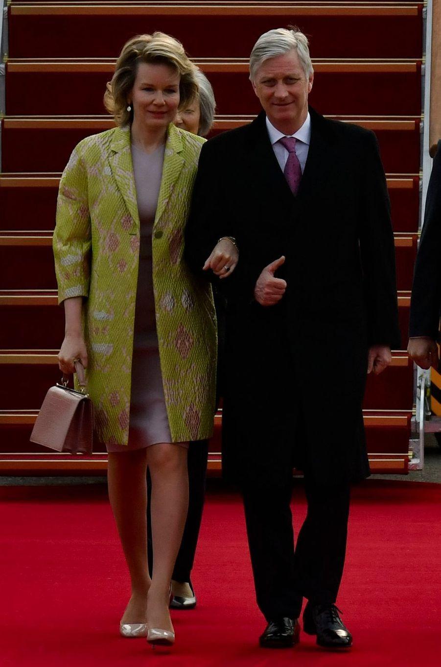 La reine des Belges Mathilde en Emporio Armani en Corée du Sud, le 25 mars 2019