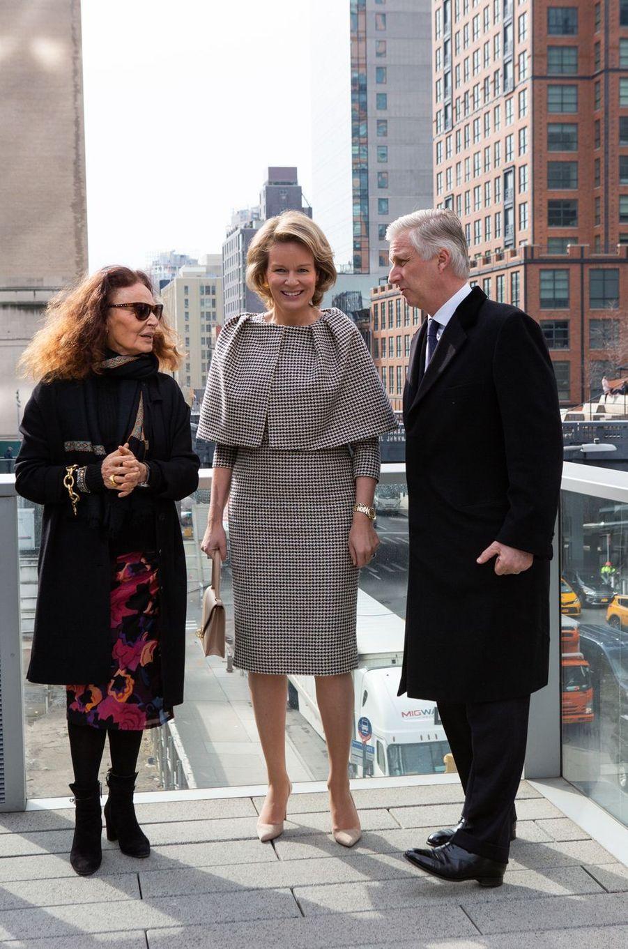 La reine Mathilde et le roi des Belges Philippe avec la styliste Diane Von Furstenberg à New York, les 12 février 2020