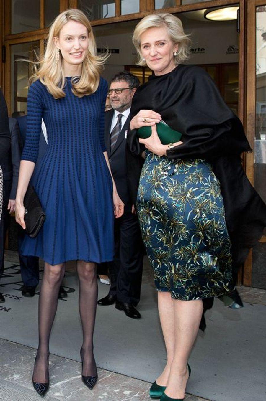 Elisabetta avec sa belle-mère la princesse Astrid à Bruxelles, le 31 mars 2015