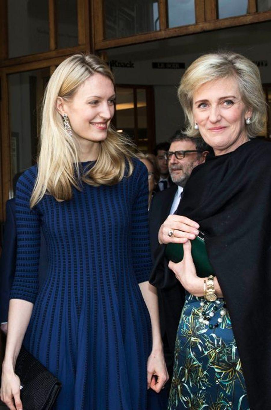 Elisabetta avec sa belle-mère la princesse Astrid de Belgique à Bruxelles, le 31 mars 2015