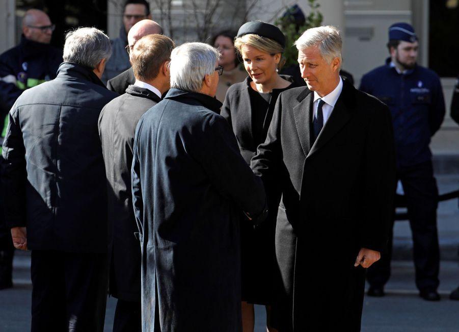 La Reine Mathilde Et Le Roi Des Belges Philippe Rendent Hommages Aux Victimes Des Attentats Du 22 Mars 2016 À Bruxelles 11