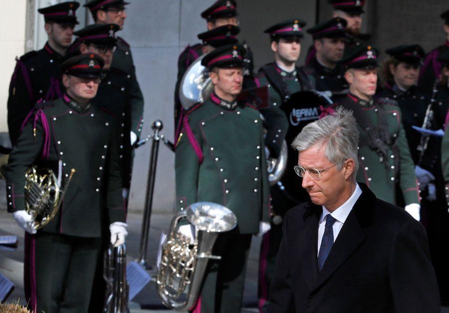 La Reine Mathilde Et Le Roi Des Belges Philippe Rendent Hommages Aux Victimes Des Attentats Du 22 Mars 2016 À Bruxelles 13