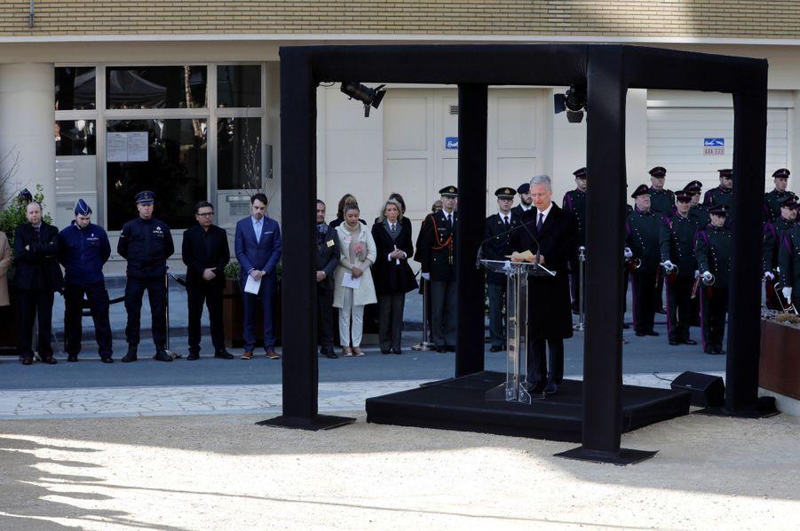 La Reine Mathilde Et Le Roi Des Belges Philippe Rendent Hommages Aux Victimes Des Attentats Du 22 Mars 2016 À Bruxelles 15