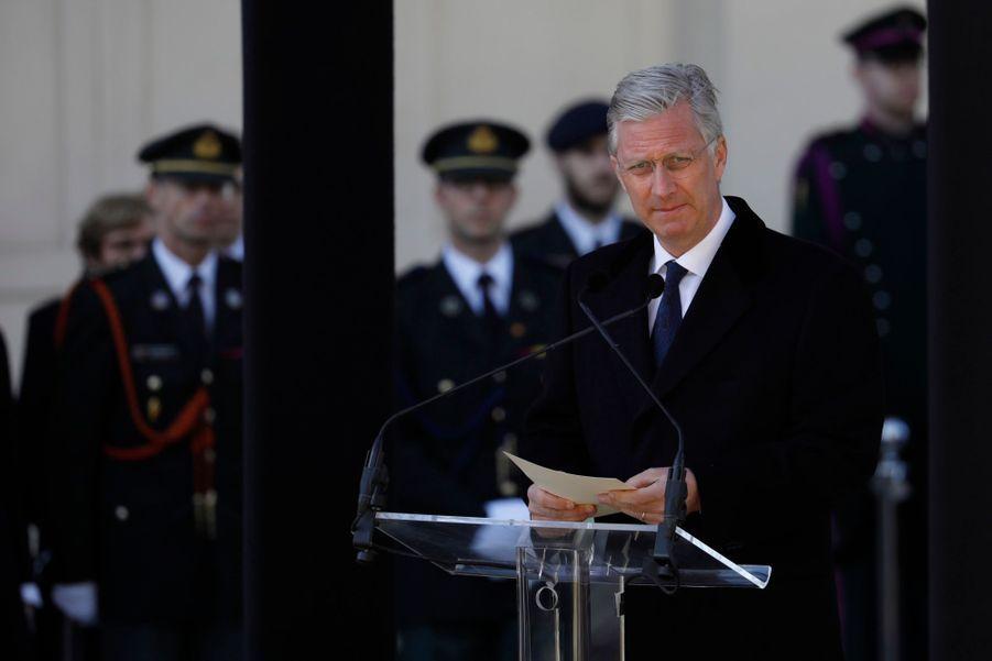La Reine Mathilde Et Le Roi Des Belges Philippe Rendent Hommages Aux Victimes Des Attentats Du 22 Mars 2016 À Bruxelles 2