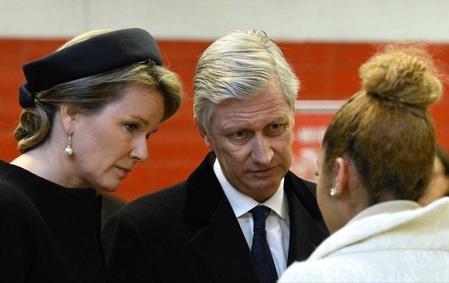 La Reine Mathilde Et Le Roi Des Belges Philippe Rendent Hommages Aux Victimes Des Attentats Du 22 Mars 2016 À Bruxelles 21