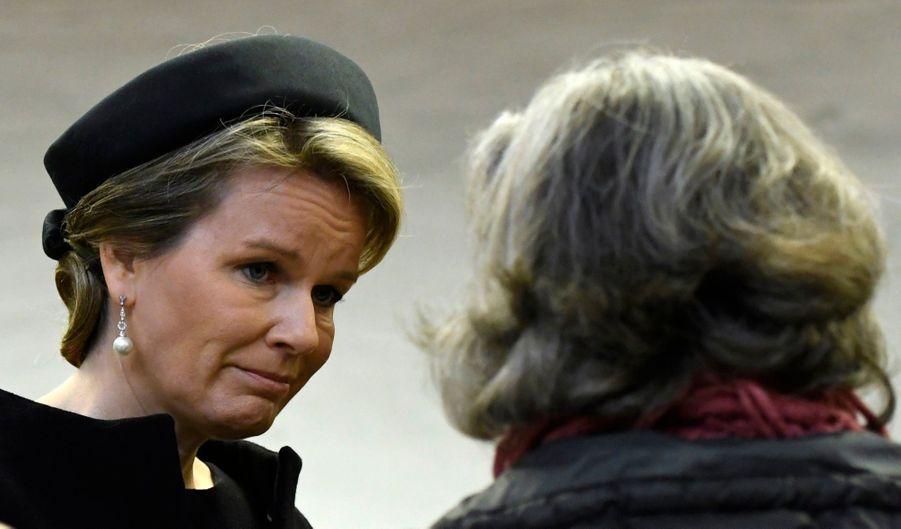 La Reine Mathilde Et Le Roi Des Belges Philippe Rendent Hommages Aux Victimes Des Attentats Du 22 Mars 2016 À Bruxelles 23
