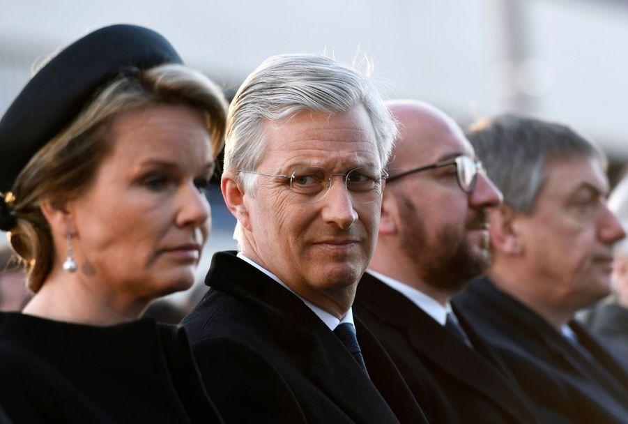 La Reine Mathilde Et Le Roi Des Belges Philippe Rendent Hommages Aux Victimes Des Attentats Du 22 Mars 2016 À Bruxelles 30