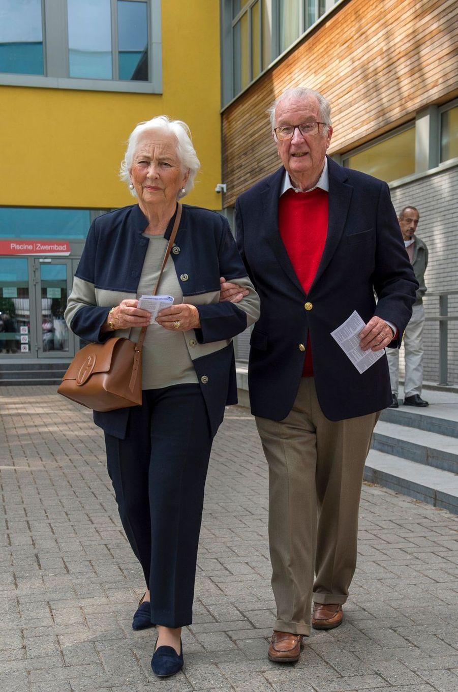 L'ex-roi des Belges Albert II et l'ex-reine Paola à Laeken, le 26 mai 2019