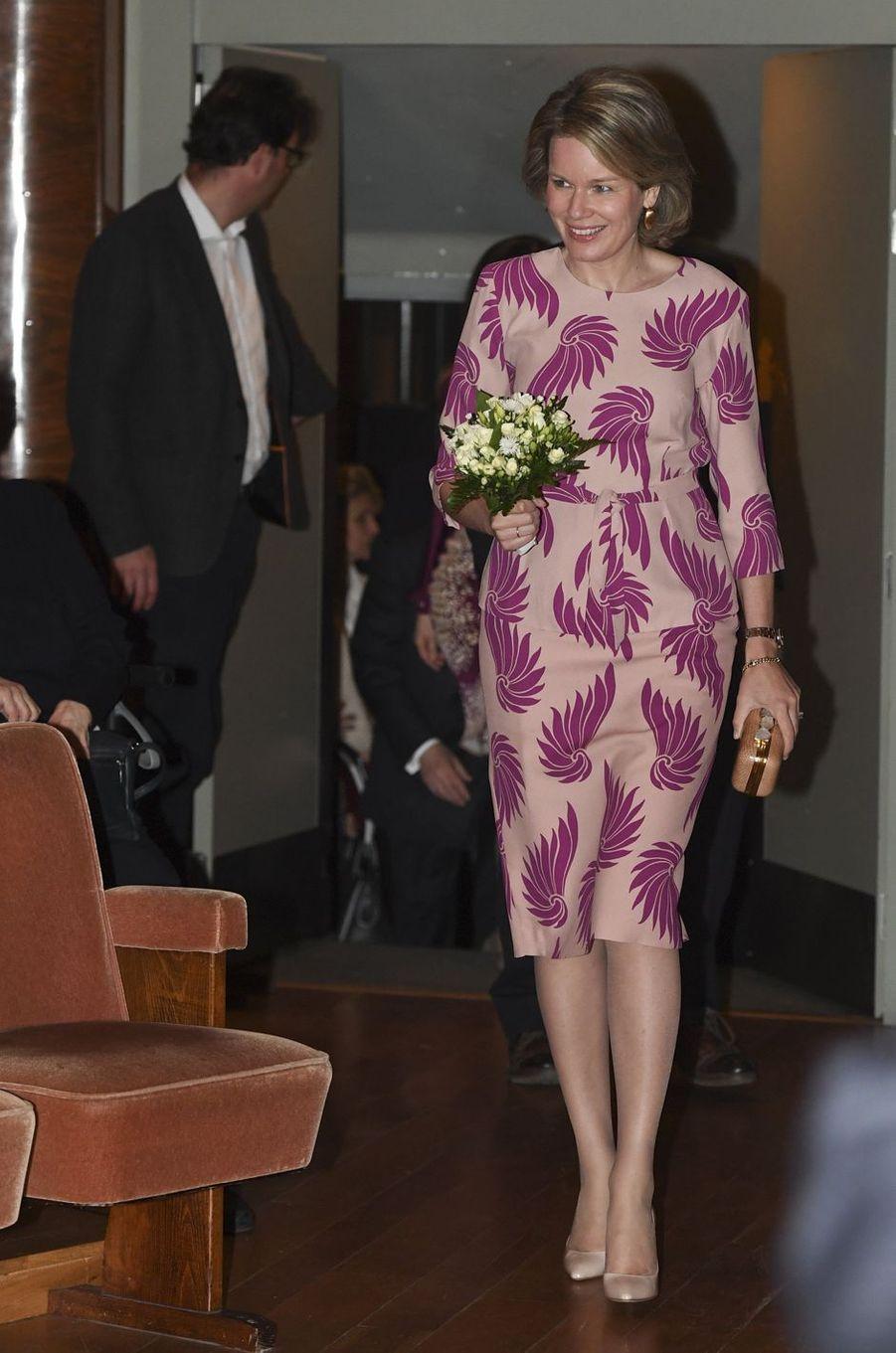 La reine Mathilde de Belgique à Ixelles près de Bruxelles, le 2 mai 2016