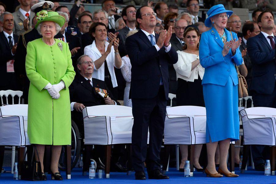 La reine Margrethe II de Danemark avec la reine Elizabeth II et François Hollande, le 6 juin 2014