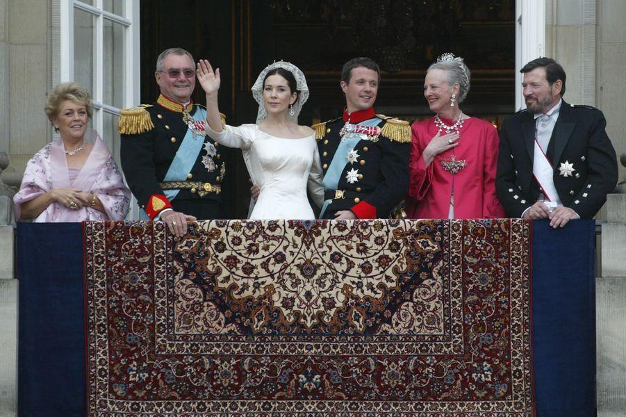 La reine Margrethe II de Danemark lors du mariage de Frederik et Mary, le 14 mai 2004