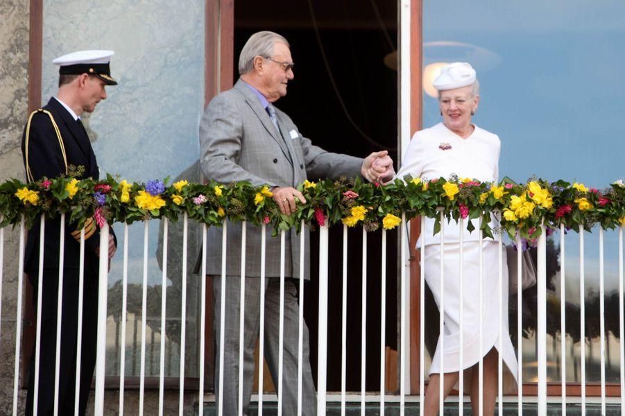 La reine Margrethe II de Danemark avec le prince consort Henrik à Aarhus, le 8 avril 2015