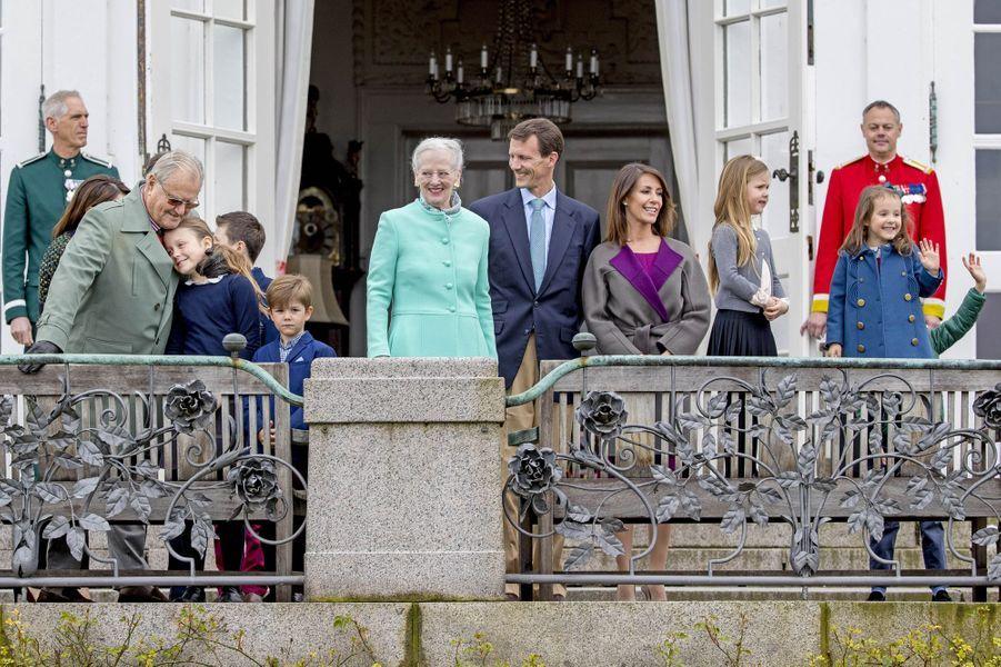 La famille royale de Danemark à Marselisborg, le 15 avril 2017