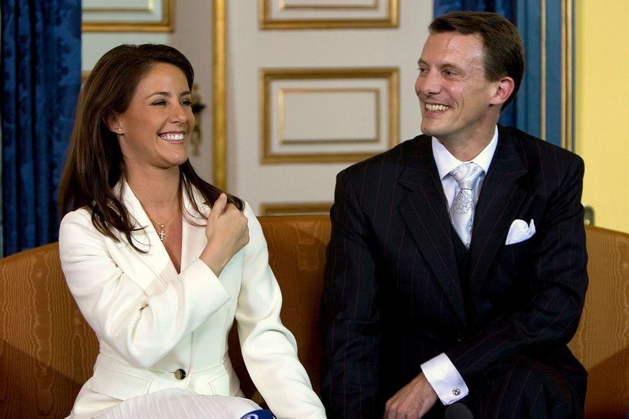 Marie Cavallier avec le prince Joachim de Danemark annoncent leurs fiançailles, le 3 octobre 2007
