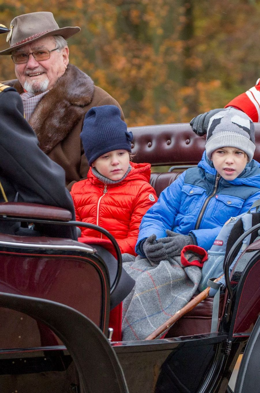 Le prince Henrik de Danemark avec la princesse Athena et le prince Henrik à Dyrehaven, le 6 novembre 2016
