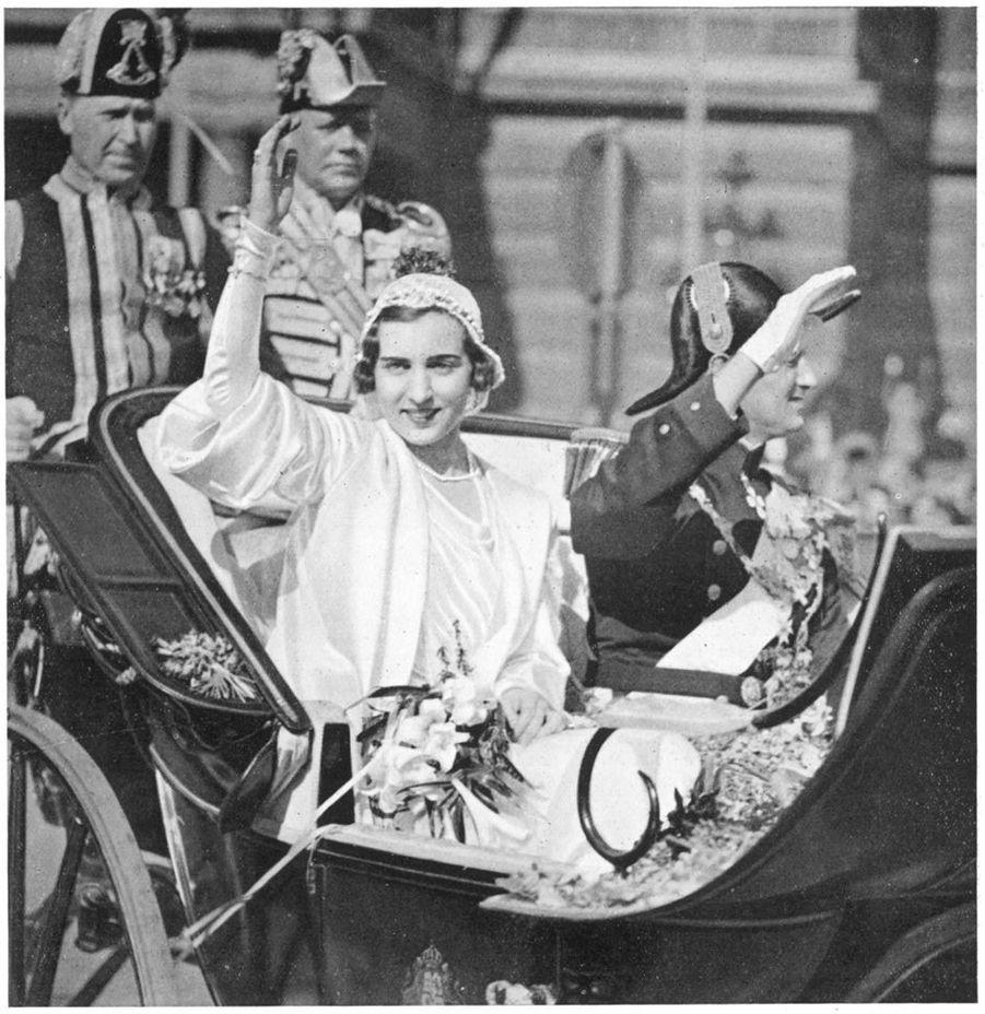 La princesse Ingrid de Suède et le prince héritier Frederik de Danemark à Stockholm le 24 mai 1935, jour de leur mariage