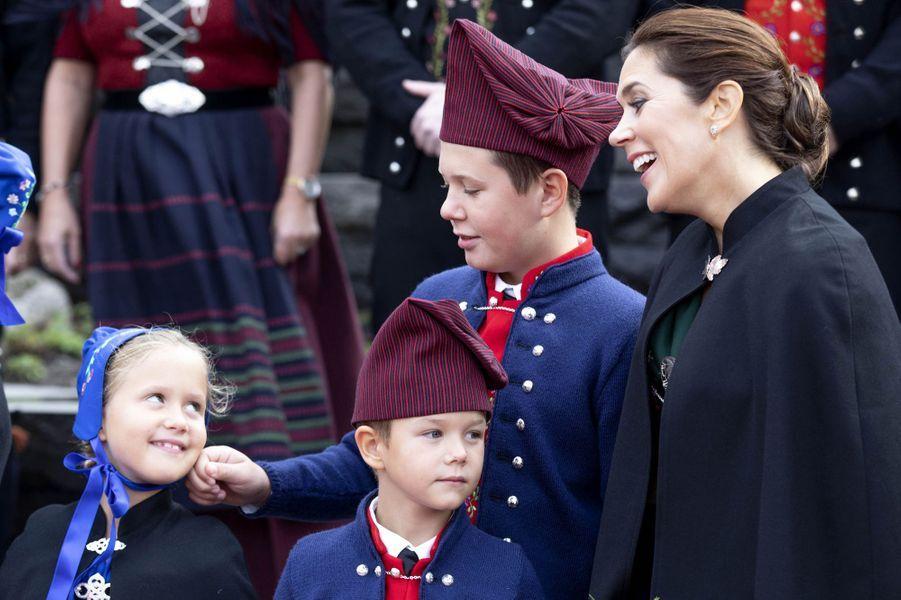 La princesse Mary de Danemark avec la princesse Josephine et les princes Christian et Vincent aux îles Féroé, le 23 août 2018