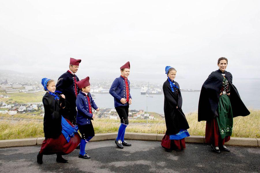 La princesse Mary et le prince Frederik de Danemark avec leurs enfants aux îles Féroé, le 23 août 2018