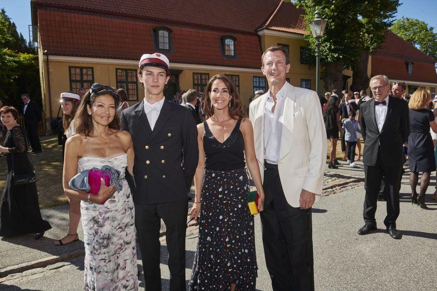 Le prince Nikolai de Danemark avec Alexandra Manley, la princesse Marie et le prince Joachim à Næstved, le 28 juin 2018