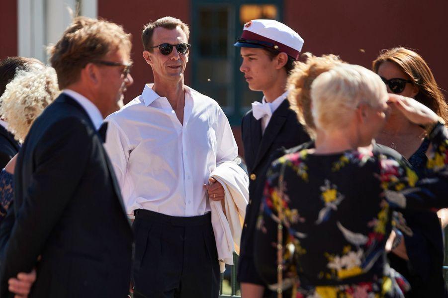 Le prince Nikolai de Danemark avec son père le prince Joachim à Næstved, le 28 juin 2018