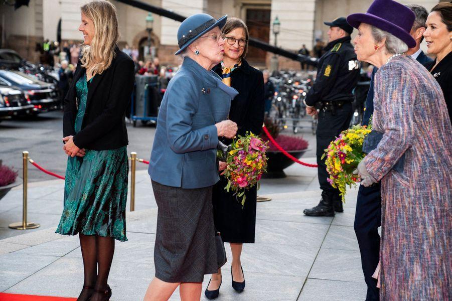 La reine Margrethe II de Danemark et sa soeur la princesse Benedikte à Copenhague, le 6 octobre 2020