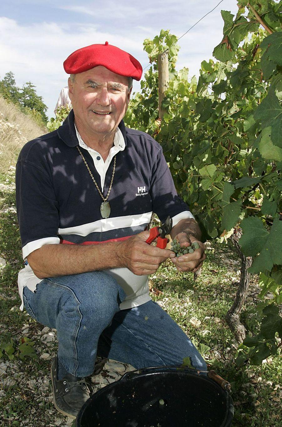 Le prince Henrik de Danemark dans son domaine viticole du château de Cayx, le 29 septembre 2004