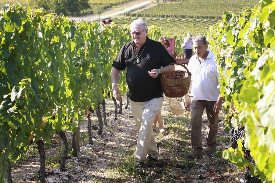 Le prince Henrik de Danemark dans son domaine viticole du château de Cayx, le 28 septembre 2011