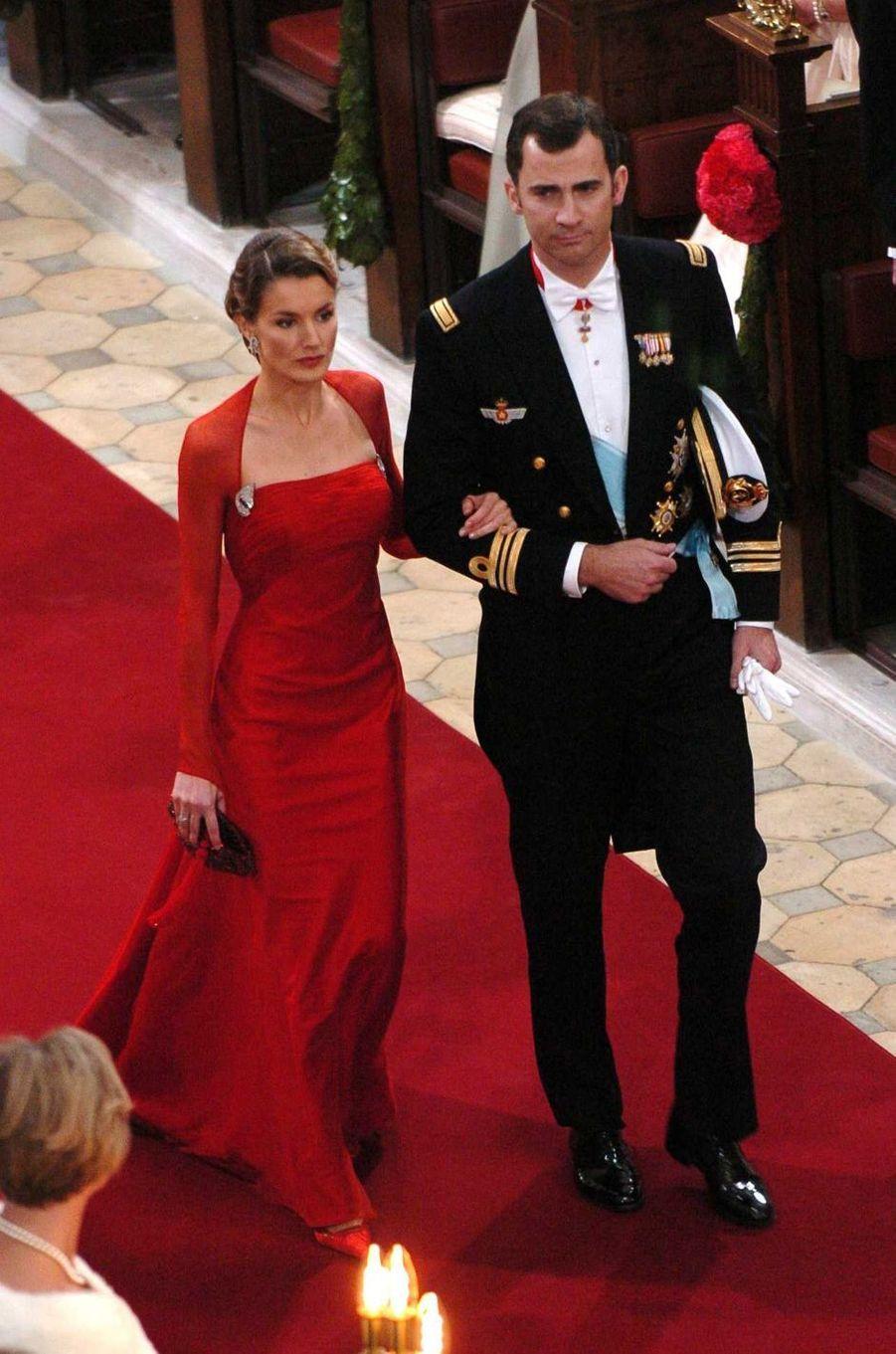 Le prince Felipe VI d'Espagne et sa fiancée Letizia Ortiz à Copenhague, le 14 mai 2004