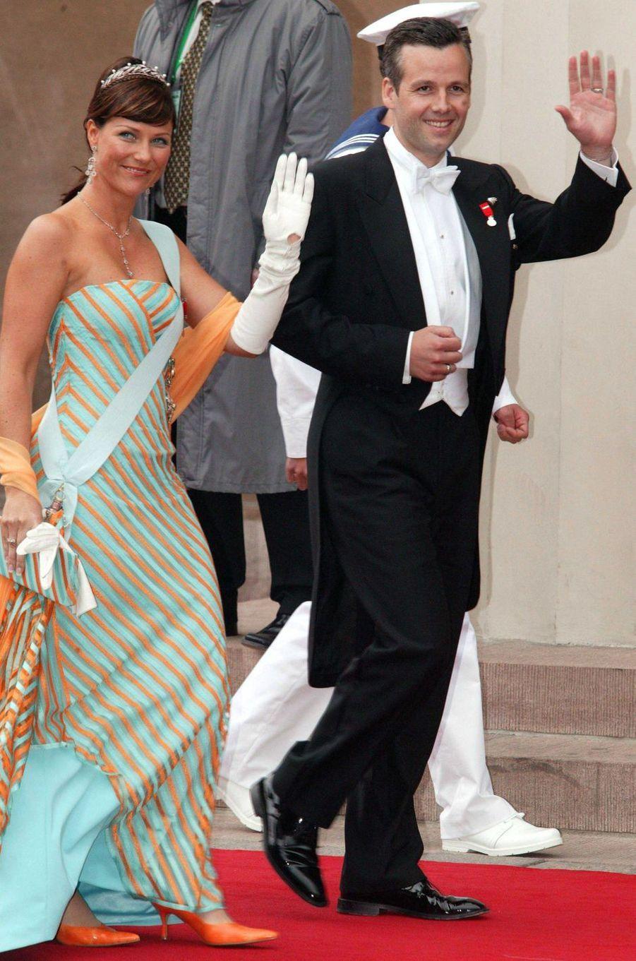 La princesse Märtha Louise de Norvège et son mari Ari Behn à Copenhague, le 14 mai 2004