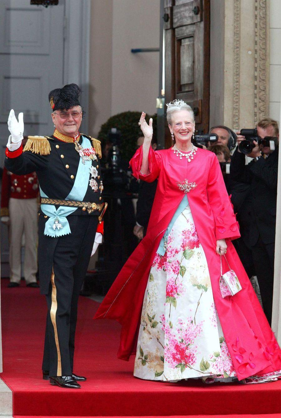 La reine Margrethe II de Danemark et le prince Henrik à Copenhague, le 14 mai 2004