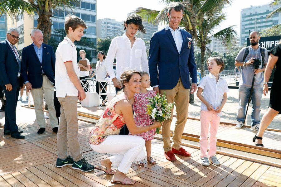La princesse Marie et le prince Joachim du Danemark avec leurs enfants à Rio de Janeiro, le 2 août 2016